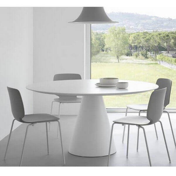 Table repas ronde ikon pedrali for Table design ronde