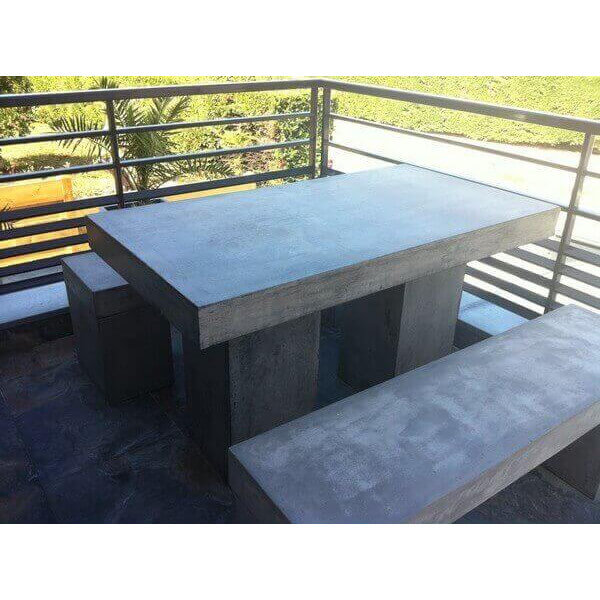Table repas beton massif 1880